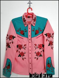 Discover recipes, home ideas, style inspiration and other ideas to try. Western Wear, Country Western Fashion, Western Shirts, Cowgirl Outfits, Western Outfits, Rodeo Queen Clothes, Cowgirls, Ugly Outfits, Queen Outfit