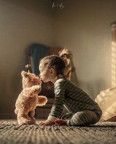 Teddy bear children's photography idea Cute Kids, Cute Babies, Baby Kids, Girl Photography, Children Photography, Photography Ideas, Animal Photography, Kind Photo, Foto Baby