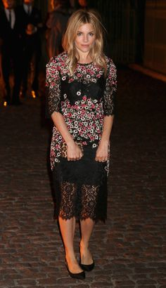 Fabulously Spotted: Sienna Miller Wearing Dolce & Gabbana - The Global Fund Celebration - http://www.becauseiamfabulous.com/2013/09/sienna-miller-wearing-dolce-gabbana-the-global-fund-celebration/