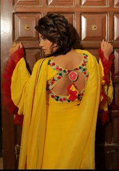 @AMAN❤ Salwar Neck Designs, Neck Designs For Suits, Dress Neck Designs, Blouse Designs, Punjabi Dress Design, Designer Punjabi Suits Patiala, Indian Designer Suits, Designer Party Wear Dresses, Kurti Designs Party Wear