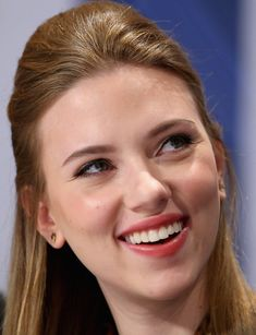 Scarlett Johansson Photos - Actress Scarlett Johansson smiles at a press conference for the Nobel Peace Prize Concert 2008 at the Radisson SAS Plaze hotel on December 11, 2008 in Oslo, Norway. The Norwegian Nobel Committee yesterday awarded the Nobel Peace Prize for 2008 to Martti Ahtisaari for his important efforts to resolve international conflicts. Actors Michael Caine and Scarlett Johansson are due to host the gala event tonight which features performances from Diana Ross, operatic…