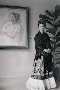 Frida Kahlo https://vieuxneufrecycle.wordpress.com/2015/11/06/icones-de-mode-frida-kahlo/