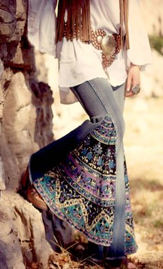 Spring 2017 Trends: superstretch nuovo upcycled elefante bell fondo flare gamba larga Mandala patchwork hippy zingara pantaloni jeans del denim
