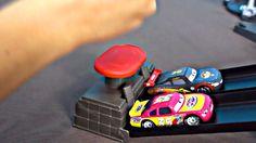Les voitures en français. Play Set Disney Pixar Cars Double voie duel. T...