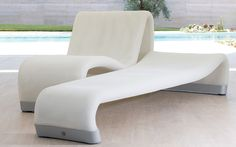 Sifas, the well-known French manufacturer of high quality, contemporary outdoor furniture collections for pool sides,. Sectional Furniture, Lounge Furniture, Furniture Making, Poolside Furniture, Living Furniture, Furniture Design, Contemporary Outdoor Furniture, Outdoor Wicker Furniture, Chaise Longue Design
