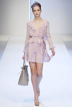 Collection : Valentino Season : Spring/Summer 2007 Ready-to-Wear State : Paris Designer : ...