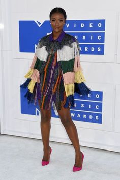We can only imagine all the photographers asking singer Justine Skye to spin upon stepping foot on the VMAs carpet — that colorful Missoni fringe just begs for some movement. This is the kind of rainbow-unicorn amazingness that makes our white-carpet dreams come true. #refinery29 http://www.refinery29.com/2016/08/121464/best-dressed-mtv-vma-red-carpet-2016#slide-11
