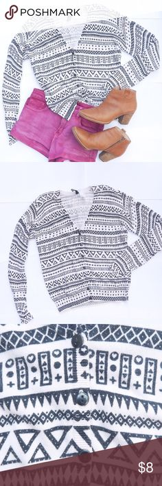 H&M - Tribal Patterned Cardigan This cardigan will complete any hipster look. You can use it during any season. H&M Sweaters Cardigans