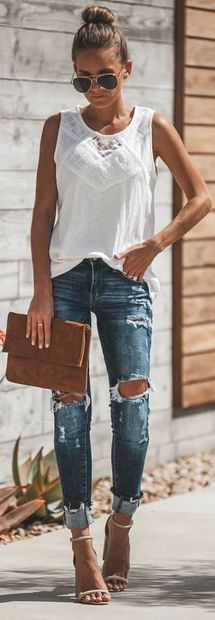 So chic and relaxed outfit that you can wear it almost the whole weekend! So chic and relaxed outfit that you can wear it almost the whole weekend! Mode Outfits, Trendy Outfits, Fashion Outfits, Jeans Outfits, Fashion Mode, Look Fashion, Womens Fashion, Spring Summer Fashion, Spring Outfits