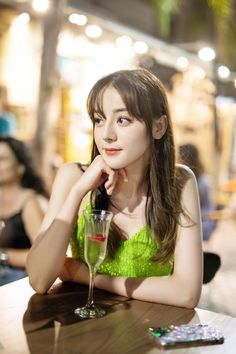 Indoor Photography, Western Girl, China Girl, Chinese Actress, Beautiful Asian Girls, Pose Reference, Ulzzang Girl, Powerful Women, Handsome Boys