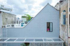 Gallery of 2.5 House / Khuon Studio - 1