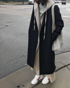 City Girl Coat 1529 Long hoodie 1880 Tshirt Shop the look Moda Fashion, Hijab Fashion, Korean Fashion, Fashion Outfits, Mode Outfits, Winter Outfits, Casual Outfits, Mode Kpop, Swag Outfits
