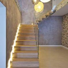 Corredores, halls e escadas modernos por lifestyle-treppen.de