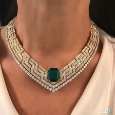 http://rubies.work/0533-sapphire-ring/ Emerald and Diamond Necklace.
