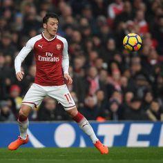 Arsenal Transfer News: Barcelona to Offer Mesut Ozil Huge Deal in Latest Rumours