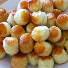 Túrós pogácsa recept Bread Recipes, Cooking Recipes, Hungarian Recipes, Bread Rolls, Pretzel Bites, No Cook Meals, Nutella, Food And Drink, Healthy Eating