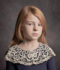 source : vogue.it _  collection portrait couleur mode enfant petite fille en dentelure (lace child little girl)