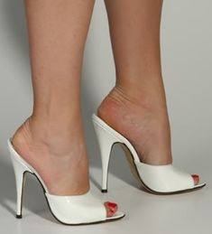 high heels – High Heels Daily Heels, stilettos and women's Shoes Sexy Sandals, Bare Foot Sandals, Sexy Legs And Heels, Sexy High Heels, White Slippers, Extreme High Heels, Next Shoes, Gorgeous Heels, Fresh Shoes