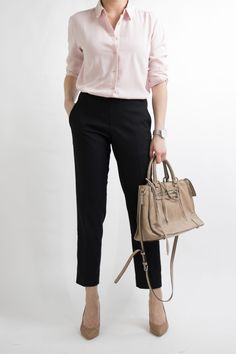 Miss Louie creates a FULL MONTH of work outfit ideas for women that work in a professional office environment. Get work outfit inspiration with dresses, skirts, culottes, trousers and pants… Casual Work Outfits, Work Attire, Office Outfits, Work Casual, Casual Office, Stylish Office, Office Uniform, Outfit Work, Uniform Ideas