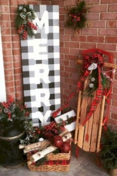 19 Brilliant ideas for Outdoor Christmas Brilliant ideas for Outdoor Christmas decorations: Giant Christmas Lollipops - Diy Crafts You & Home Design Best Outdoor Christmas Decorations, Christmas Porch, Christmas Signs, Xmas Decorations, Simple Christmas, Rustic Christmas, Christmas Holidays, Christmas Wreaths, Holiday Decor