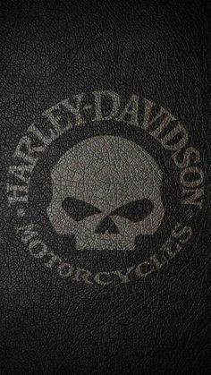 Check out this awesome collection of Harley-Davidson Skull wallpapers, with 26 Harley-Davidson Skull wallpaper pictures for your desktop, phone or tablet. Harley Davidson Logo, Harley Davidson Kunst, Harley Davidson Pictures, Harley Davidson Wallpaper, Harley Davidson Motorcycles, Boxing Day, Brown Motorcycle Boots, Iphone Background Images, Iphone Backgrounds