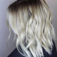 """The """"bob"""" is all right. The """"bob"""" is a variant of the square stricto sensu since it is more… Continue Reading → Modern Bob Hairstyles, Bob Hairstyles For Thick, Short Layered Haircuts, Long Bob Haircuts, Trendy Haircuts, Hairstyles Haircuts, Cool Hairstyles, Hairstyle Ideas, Carmel Blonde Hair"""
