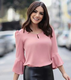 Cute Dresses, Tops, Shoes, Jewelry & Clothing for Women Blouse Styles, Blouse Designs, Fashion Outfits, Womens Fashion, Fashion Tips, Fashion Quotes, Cute Blouses, Blouse Outfit, Beautiful Blouses