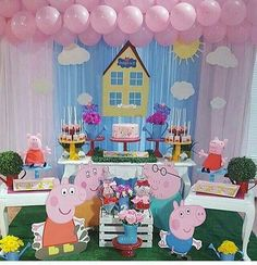 Peppa Pig Put the wedding that is very simple, elegant, and also outstanding! Peppa Pig Pinata, Peppa Pig Birthday Cake, 3rd Birthday Parties, Birthday Party Decorations, 2nd Birthday, Peppa Pig Background, Pepper Pig Party Ideas, Aniversario Peppa Pig, George Pig