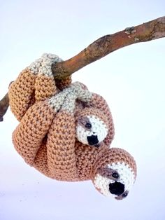 Finally my best seller the sloth had a baby! These adorable sloths are taking it easy and want to be carried everywhere with you. Their arms are sewn together, in this way they can easily be hung ever