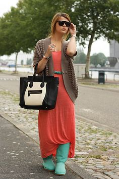 Baby Green Ugg Boots, Vj Style Bag, Only Dress + Cardi. Where to find that color uggs?