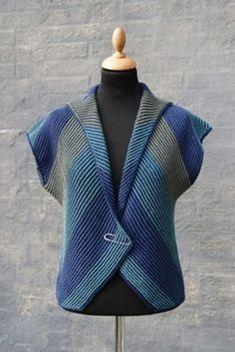 Hanne Falkenberg handknit vest – knitting vest – Knitting for Beginners Baby Knitting Patterns, Knitting Designs, Free Knitting, Diy Crafts Knitting, Diy Crafts Crochet, Pull Crochet, Knit Crochet, Knit Vest Pattern, Crochet Cardigan