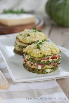 parmigiana di zucchine Antipasto, Tapas, Happiness Recipe, Cooking Recipes, Healthy Recipes, Food Humor, Savoury Dishes, Ratatouille, Food Hacks