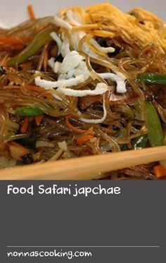 Food Safari japchae | Japchae is a dish of deliciously chewy cellophane noodles made from sweet potato starch. The noodles are tossed with julienned vegetables and sometimes meat (this recipe includes marinated beef), and each component is separately stir-fried. It's a popular Korean dish for parties and can be served hot or cold. Vary the vegetables in the recipe as you please – others to consider are green beans and spinach, or make a mushroom japchae with a selection of Asian mushrooms. Canned Sweet Potato Recipes, Sweet Meat Recipe, Sweet Potato Dishes, Best Potato Recipes, Beans Recipes, Green Bean Recipes, Dishes Recipes, Food Dishes, Best Mushroom Recipe