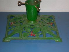 Vintage Christmas Tree Stand ~ Intricate Green Cast Iron Holly Design