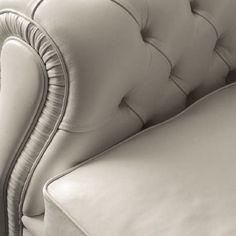 Диван играет важную роль в интерьере любой гостиной