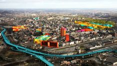 The painting strategy which has worked very well in Tirana and in the Brazilian favelas before, should make the gray declined industrial urban lay-out of Charleroi a little more happy.
