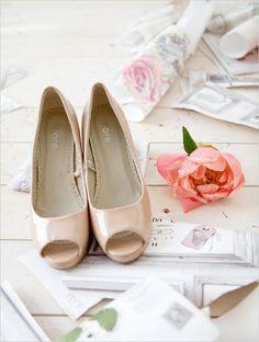 nude peep toe shoes @weddingchicks
