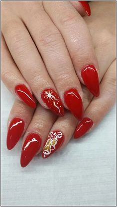 What is the perfect Christmas nail acrylic idea you want? And with the re-creation of your own nails before Christmas, cute elk, snowman and candy cane are the most representative of Christmas. Christmas Present Nails, Red Christmas Nails, Xmas Nails, Christmas Ideas, Holiday Nail Art, Christmas Nail Art Designs, Toe Nail Art, Acrylic Nails, Pig Nails
