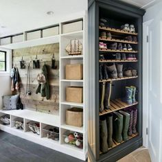 Mudroom Ideas - Mudrooms as well as entries can be crucial for maintaining your home organized. If you're desiring a stylish and also efficient space, check out these . ideas laundry Smart Mudroom Ideas to Enhance Your Home Mudroom Laundry Room, Laundry Room Design, Mud Room Lockers, Mud Room Garage, Garage Shoe Rack, Mudroom Cubbies, Bench Mudroom, Garage Entry, Front Entry