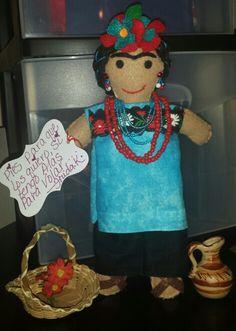 "Mi Linaje Mexicano doll making.   "" Frida Kahlo"" Maria Cristina Carreón."