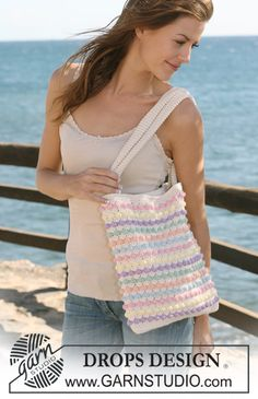 "Crochet DROPS bag in ""Paris"". ~ DROPS Design"
