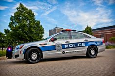 The 2012 Chevrolet Caprice PPV is a futuristic cop car with communications and a Knight Rider-like voice interface. It also automatically scans every license plate in its line of vision for warrants and unpaid tickets. Caprice Ppv, Chevrolet Caprice, Police Cars, Police Vehicles, Smart City, Emergency Vehicles, Future Car, Cops, Business Innovation