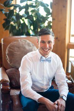 The groom here, Jon, really knows how to rock our fixie bike bow tie. He's looking fresh to death on his wedding day.