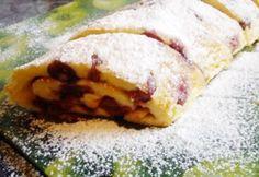 Meggyes tepsis palacsinta recept képpel. Hozzávalók és az elkészítés részletes… Hungarian Cake, Hungarian Recipes, Cakes And More, Crepes, Cake Cookies, Hot Dog Buns, Mashed Potatoes, Pancakes, Paleo