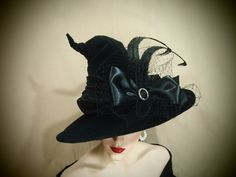 Witch Hat Book Worm by EvercrumblyAndWitch on Etsy