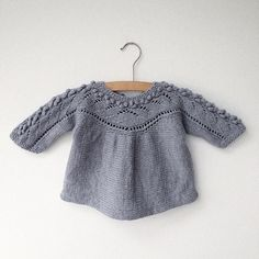 By @strikdigglad . . . . . #knitforgirls #knitting #kidsknits #knitforkids #babyknits #babystrikk Knitting For Kids, Knitting Projects, Baby Knitting, Crochet Baby, Knit Crochet, Knitted Baby Clothes, Knitted Romper, Sweater Knitting Patterns, Baby Sweaters