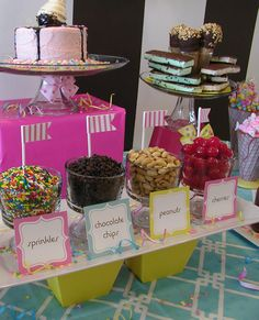 Ice Cream Party Toppings Bar - flags wrapped around straws using washi tape Ice Cream Buffet, Ice Cream Theme, Ice Cream Party, Ice Cream Station, Wedding Food Stations, Bar A Bonbon, Thank You Party, Sundae Bar, Ice Cream Social