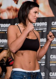 Top 10 Female Mixed Martial Artists - Gina Joy Carano gina-carano Carano is one of the most recognizable female mixed-martial artists around. Despite never holding a major championship, and not having fought since she also only sports one loss in American Gladiators, Ufc Fighters, Female Fighter, Martial Artists, Combat Sport, Boxing Workout, Mixed Martial Arts, Female Athletes, Fitness Inspiration