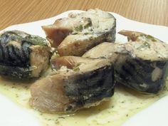 Macrou în sos alb la cuptor Fresh Rolls, Pork, Meat, Chicken, Baking, Ethnic Recipes, David, Cakes, Bakken