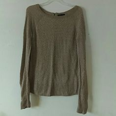 American Eagle Outfitters sweater Taupe sweater with weave detail. Has zipper down back of neck. Soft and comfy. Cute with jeans. Great condition. No flaws. American Eagle Outfitters Sweaters